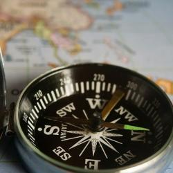 picture of a magnetic compass